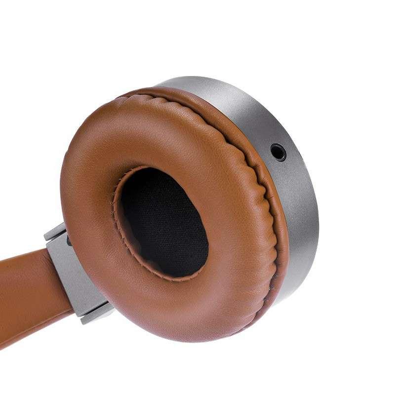 hoco. W2 headphones