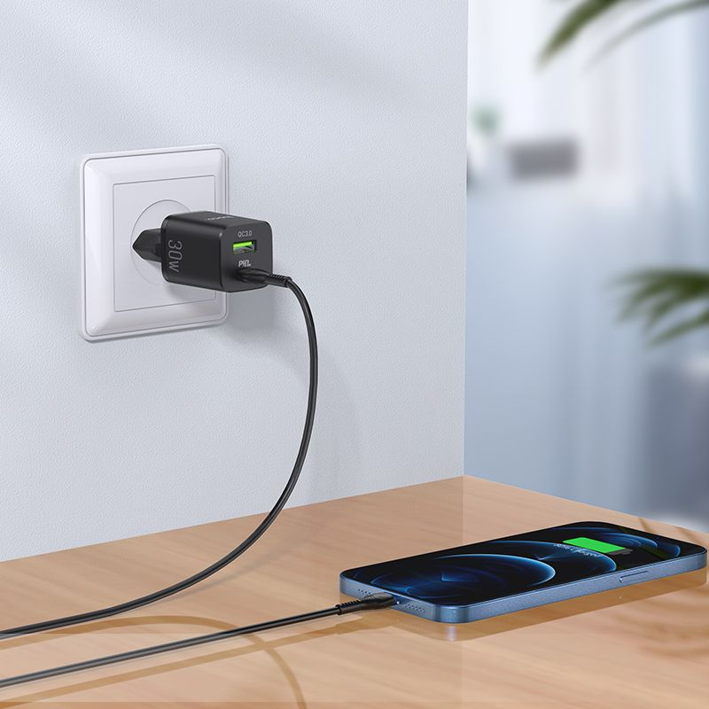 Original hoco. N13 PD30W QC3.0 fast charging set with double